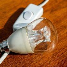 light-bulb-1640351__340